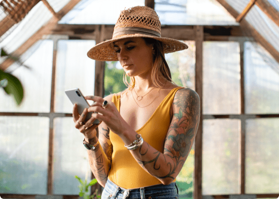 Girl booking tattoo appointment using Setmore